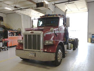 Picture of a Semi Truck Front in the van division
