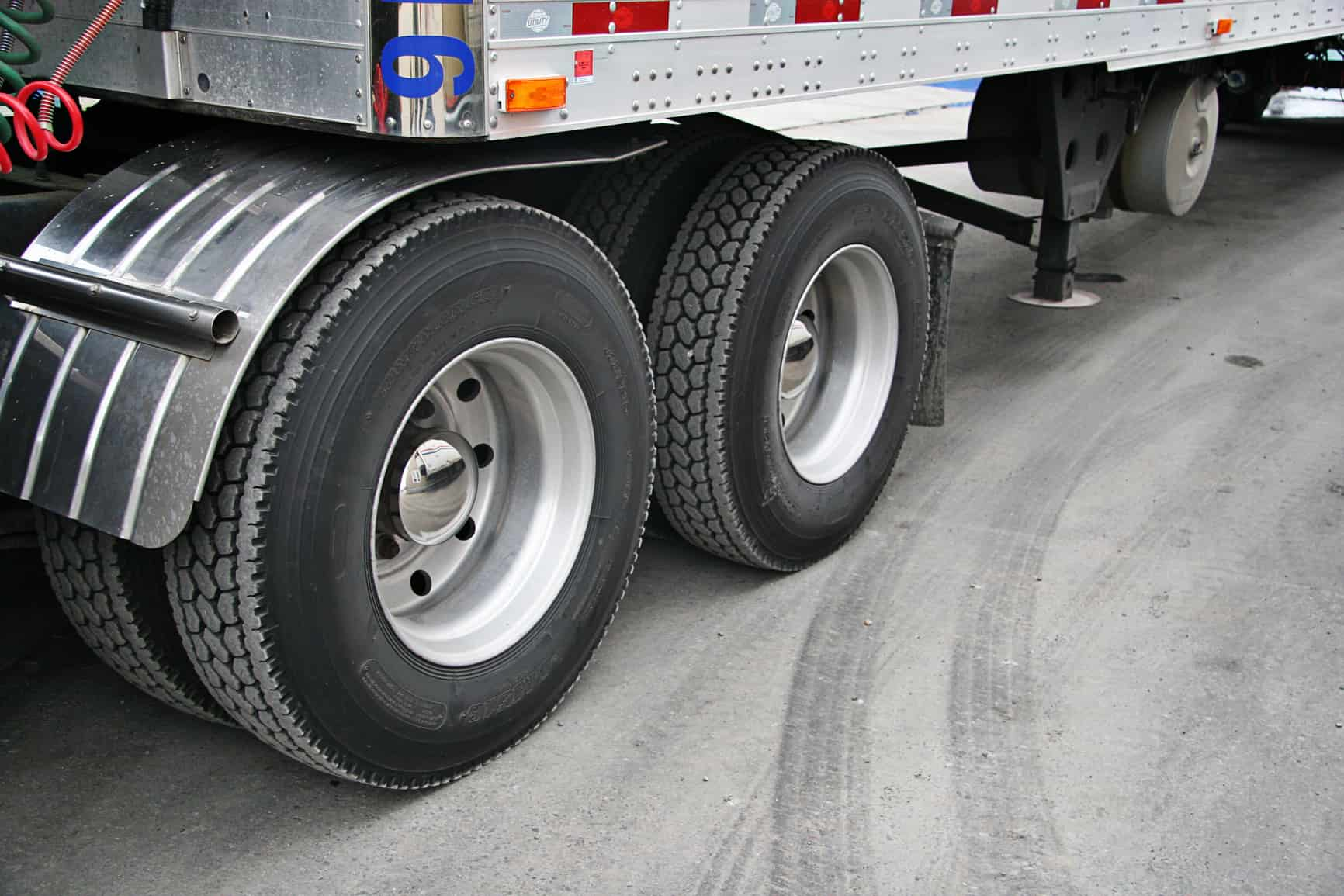 Semi Truck Tires Near Me >> Tire Safety Tips Every Semi Truck Driver Should Adopt